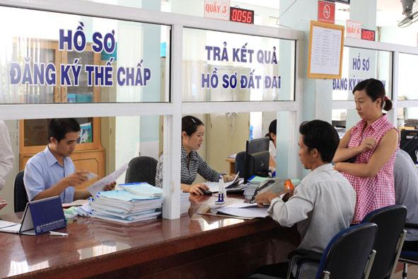 Kế hoạch thực hiện Đề án đổi mới việc thực hiện cơ chế một cửa, một cửa liên thông trong giải quyết thủ tục hành chính trên địa bàn tỉnh Đắk Lắk.
