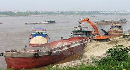 Cấm khai thác cát, sỏi lòng sông trên các đoạn sông sạt lở, có nguy cơ sạt lở cao thuộc địa bàn các huyện Krông Bông, Cư Kuin, Lắk và Krông Ana