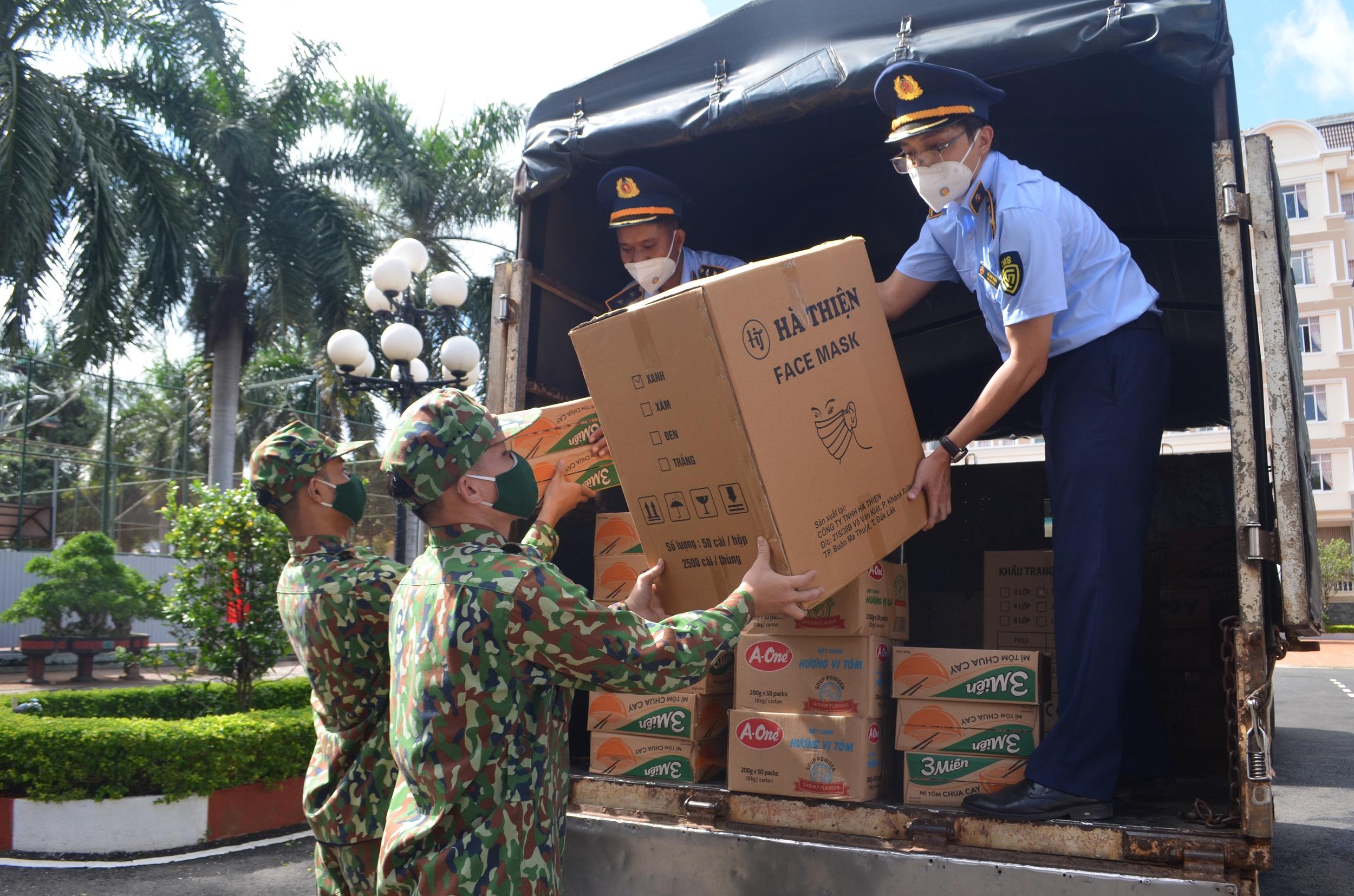 Bộ đội Biên phòng Đắk Lắk tiếp nhận 18 nghìn khẩu trang y tế
