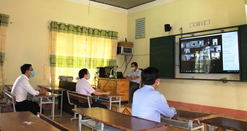 Doanh nghiệp viễn thông chung sức, đồng hành hỗ trợ dạy học trực tuyến