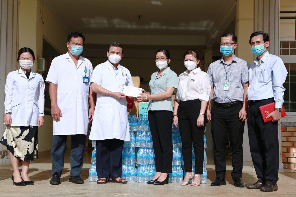 Đoàn đại biểu Quốc hội tỉnh thăm các điểm cách ly, điều trị COVID-19