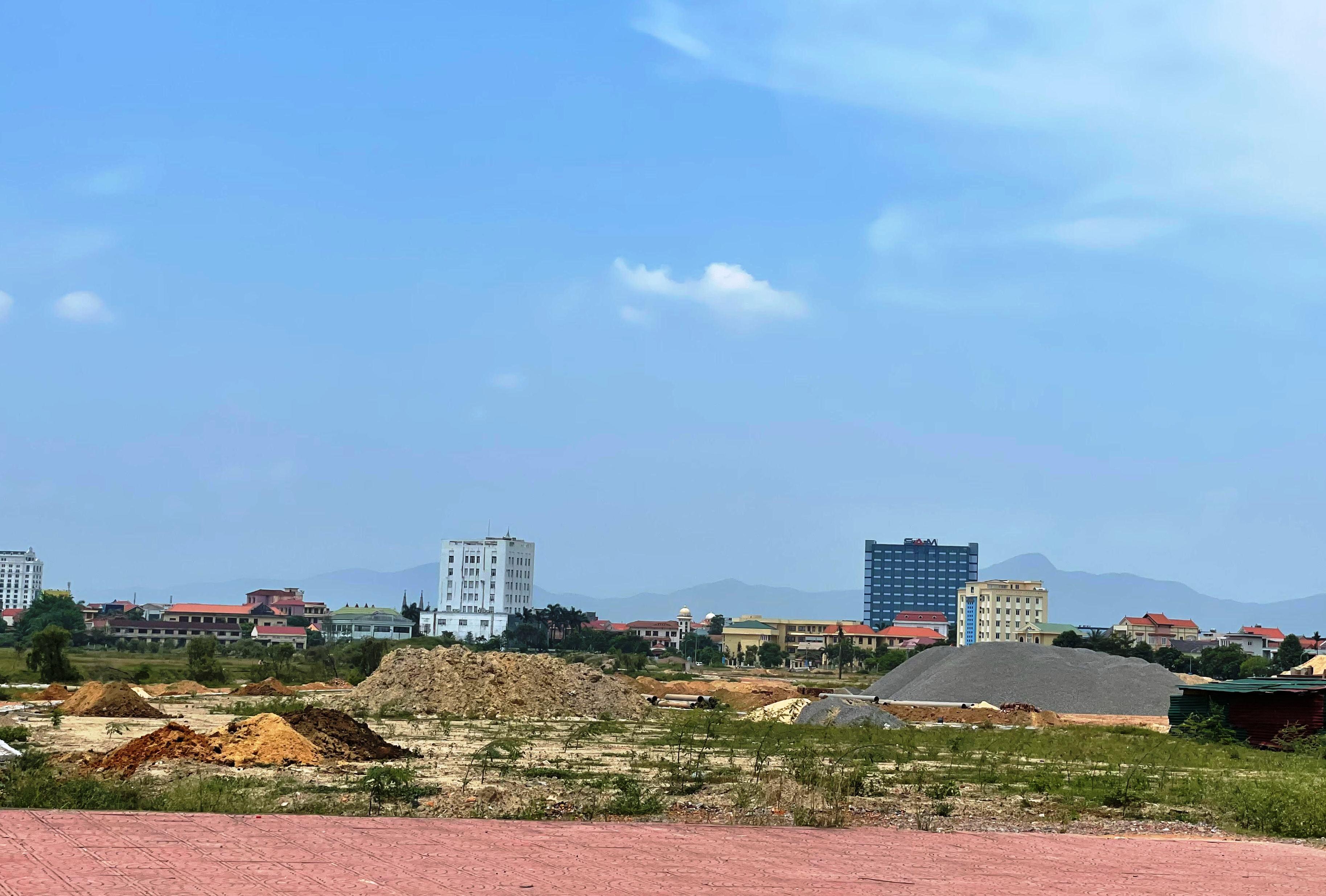 Quyết định về việc phê duyệt điều chỉnh, bổ sung dự án vào Kế hoạch sử dụng đất năm 2021 các huyện, thị xã, thành phố