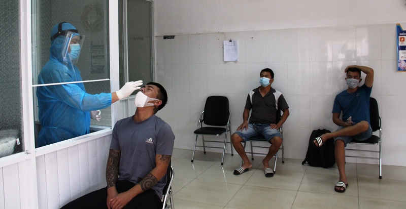 Tay Nguyen Eye Hospital carries out antigen Covid-19 rapid testing