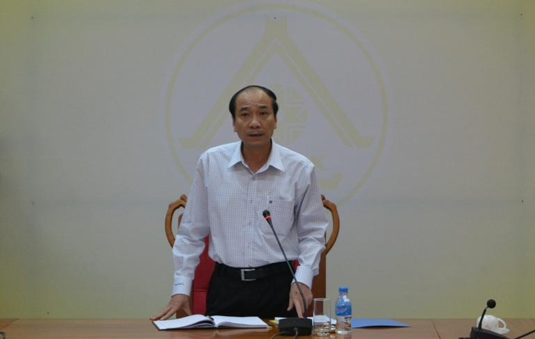 UBND tỉnh họp thông qua các nội dung thuộc thẩm quyền.