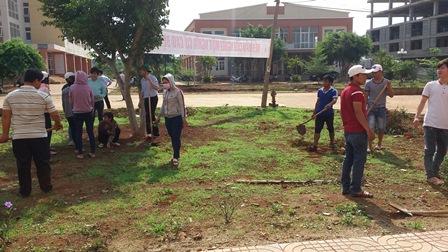 Đoàn Thanh niên Trường Trung cấp Luật Buôn Ma Thuột ra quân thực hiện chiến dịch Thanh niên tình nguyện hè năm 2016