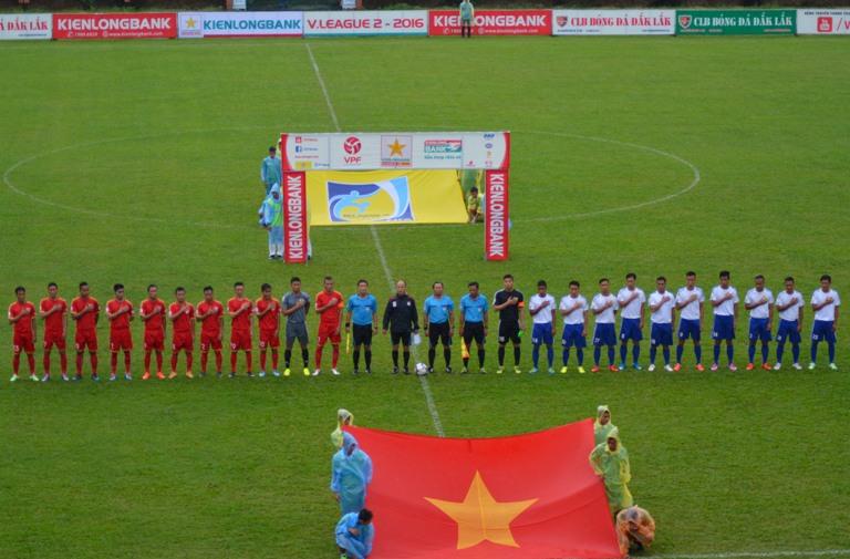 Vòng 10 Giải Bóng đá Hạng Nhất quốc gia 2016: Chủ nhà Đắk Lắk thắng CLB Bóng đá Huế 3-2.