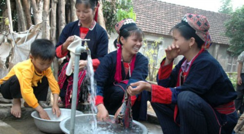 Giao làm chủ đầu tư Dự án cấp nước cho các hộ dân đang thiếu nước sinh hoạt nghiêm trọng do hạn hán