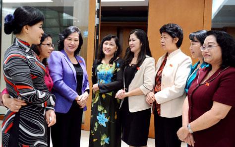 Thực hiện bảo đảm bình đẳng giới đối với nữ cán bộ, công chức, viên chức tỉnh Đắk Lắk giai đoạn 2016 – 2020