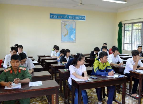 Buổi thi đầu tiên kỳ thi THPT quốc gia năm 2016: 299 thí sinh bỏ thi môn Toán.