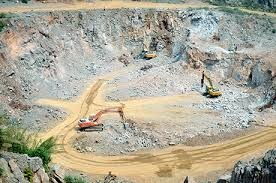 Xem xét quá trình khai thác đá thuộc địa phận thị trấn Ea Drăng, huyện Ea H'leo