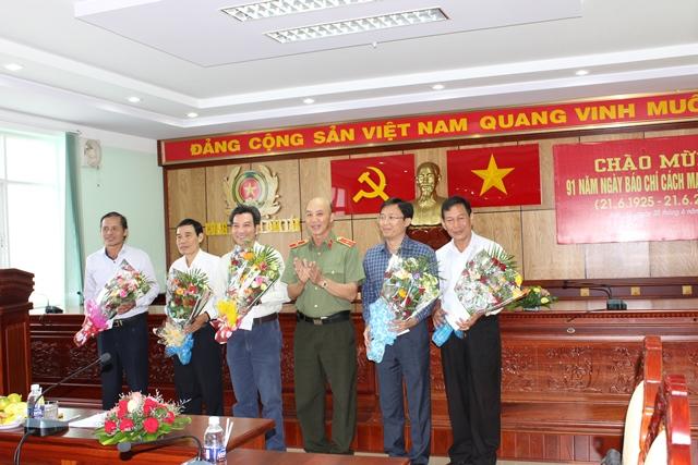 Công an tỉnh Đắk Lắk gặp mặt các cơ quan thông tấn báo chí nhân ngày Báo chí cách mạng Việt Nam.