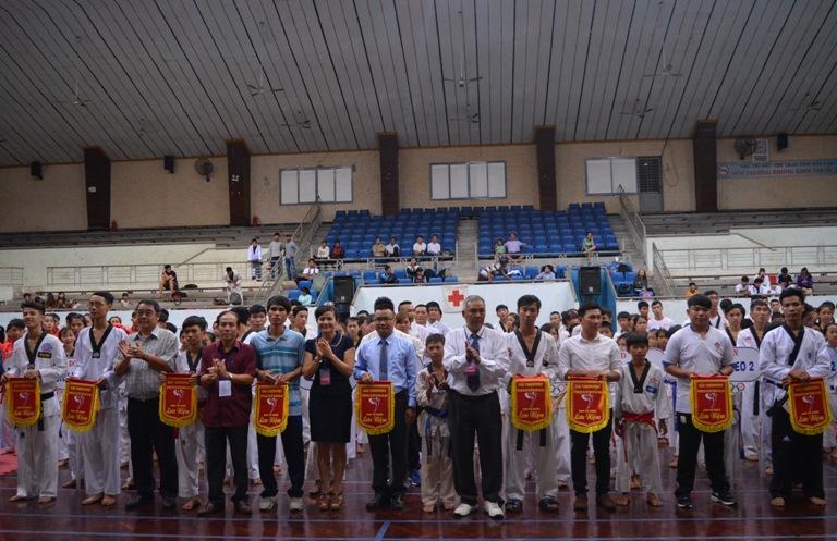 370 VĐV tham gia giải Taekwondo vô địch các lứa tuổi tỉnh Đắk Lắk năm 2016.