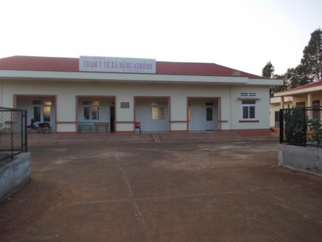 Phê duyệt Báo cáo kinh tế kỹ thuật xây dựng công trình Trạm y tế phường Thống Nhất, thị xã Buôn Hồ, tỉnh Đắk Lắk, hạng mục: Cải tạo, nâng cấp cổng, tường rào