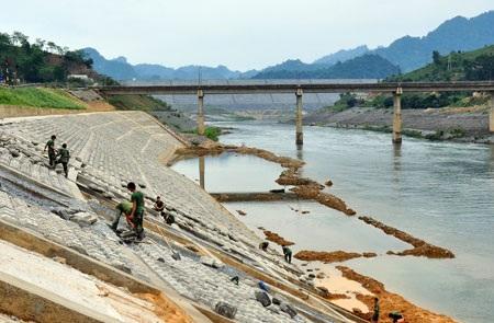 Bổ sung hạng mục công trình vào Dự án: Kè chống sạt lở bờ tả suối Krông Kmar, huyện Krông Bông.