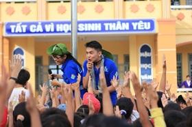 Hỗ trợ kinh phí, chi khen thưởng cho học sinh dân tộc tỉnh