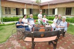 Bổ sung quy định tiêu chuẩn cơ sở chăm sóc người cao tuổi