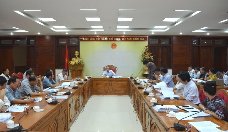 UBND tỉnh họp thông qua các dự thảo Nghị quyết về phát triển du lịch của tỉnh và của thành phố Buôn Ma Thuột.