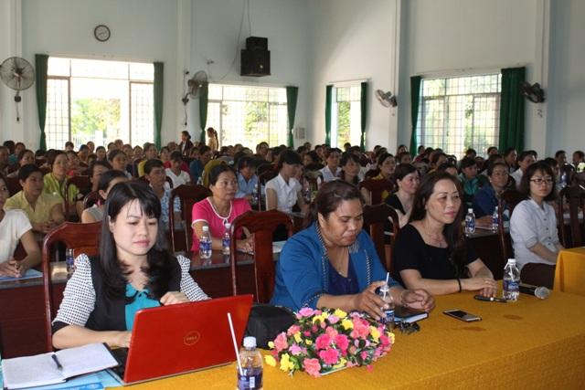 Tuyên truyền Bảo hiểm xã hội tự nguyện và Bảo hiểm y tế hộ gia đình tại huyện Lắk.