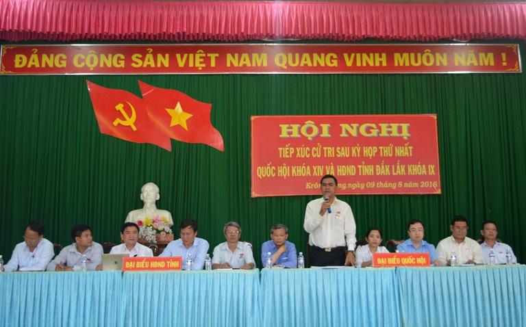 Cử tri huyện Krông Năng: Cần có biện pháp ngăn chặn, đấu tranh chống tình trạng phân bón giả, thuốc bảo vệ thực vật giả trên địa bàn.