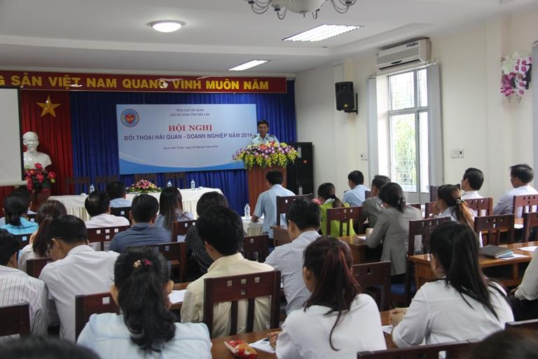 Hải quan tỉnh Đắk Lắk đối thoại với các doanh nghiệp có hoạt động xuất nhập khẩu năm 2016.
