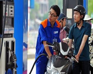 Giá xăng tăng 702 đồng/lít