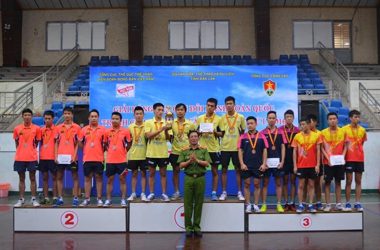 Bế mạc giải Bóng bàn các đội mạnh toàn quốc tranh Cúp Tổng cục Cảnh sát lần thứ Nhất năm 2016.