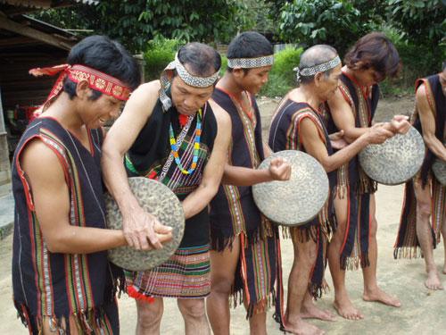 Nghị quyết về bảo tồn, phát huy văn hóa cồng chiêng tỉnh, giai đoạn 2016-2020