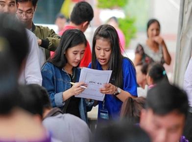 Thực hiện chính sách miễn, giảm học phí và hỗ trợ chi phí học tập đối với học sinh, sinh viên nghèo