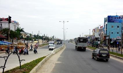 Thực hiện Quy hoạch phát triển công nghiệp, thương mại dọc tuyến đường Hồ Chí Minh