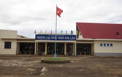 Chủ trương sử dụng kinh phí dự phòng của công trình Trường Cao đẳng nghề Đắk Lắk.