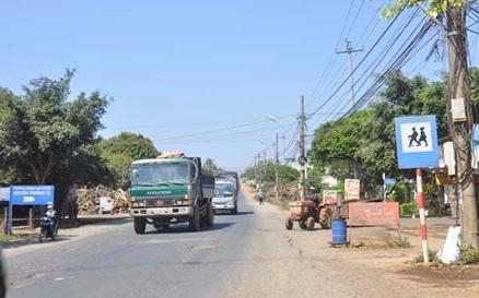 Đầu tư dự án Đường từ xã Krông Na – Khu vực đồn Biên phòng 749 ra biên giới huyện Buôn Đôn, tỉnh Đắk Lắk.
