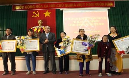 """Kinh phí chi thưởng cho Bà mẹ được tặng danh hiệu vinh dự Nhà nước """"Bà mẹ Việt Nam anh hùng"""""""