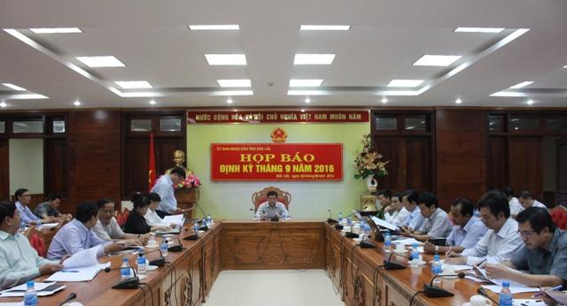 Giao ban báo chí và Họp báo định kỳ tháng 9/2016.
