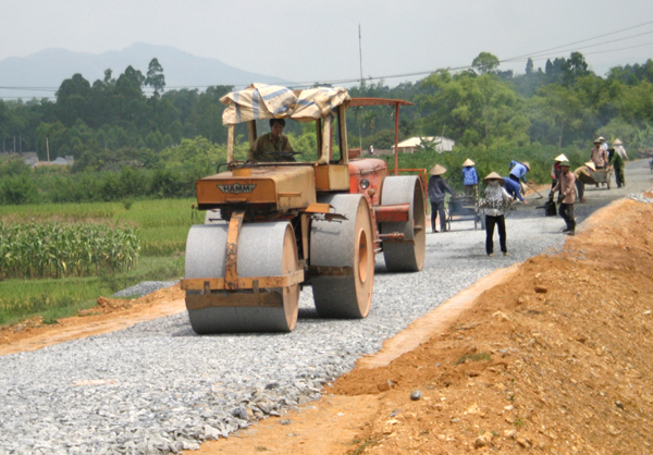 Phê duyệt kế hoạch lựa chọn nhà thầu Công trình: Đường giao thông từ cầu Nước Trong đến buôn Knia, xã Vụ Bổn, huyện Krông Pắc (giai đoạn 2)