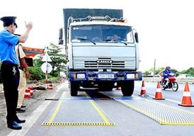 Tiếp tục thực hiện công tác kiểm soát tải trọng xe