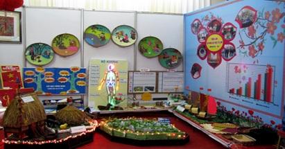 Hỗ trợ kinh phí mua sắm trang thiết bị dạy học cho các trường mầm non, tiểu học, THCS trên địa bàn huyện Cư Kuin