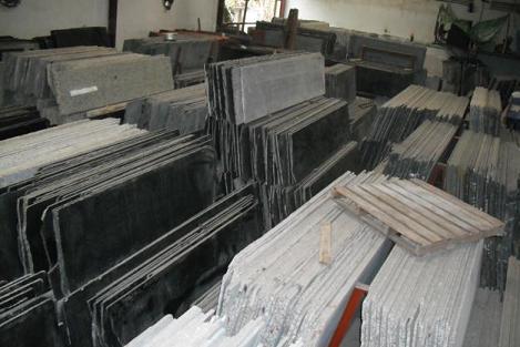 """Phê duyệt trữ lượng đá Granit làm vật liệu xây dựng thông thường và ốp lát trong """"Báo cáo kết quả thăm dò đá làm vật liệu xây dựng thông thường và ốp lát tại thôn 2a, xã Ea H'leo, huyện Ea H'leo, tỉnh Đắk Lắk"""""""