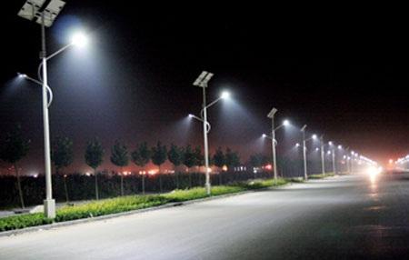 Quản lý hệ thống điện chiếu sáng đường vào Lữ đoàn Đặc công 198.