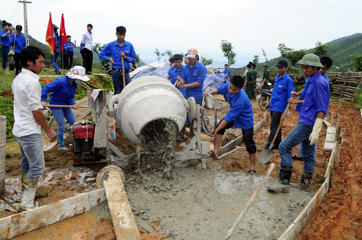 """Kế hoạch tổ chức thực hiện phong trào thi đua """"Cả nước chung tay xây dựng nông thôn mới"""" giai đoạn 2016-2020"""