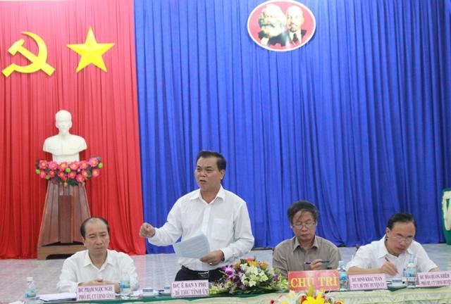 Đoàn công tác của Thường trực Tỉnh uỷ làm việc với Huyện uỷ M'Đrắk