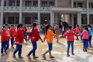 Đảm bảo việc học tập của trẻ em Việt kiều từ Campuchia trở về Việt Nam.