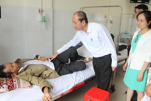 Trao quyết định bổ nhiệm Phó giám đốc Bệnh viện đa khoa tỉnh Đắk Lắk