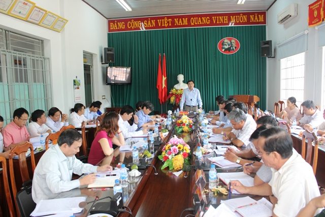 Đoàn công tác của Thường trực Tỉnh ủy làm việc tại thị xã Buôn Hồ