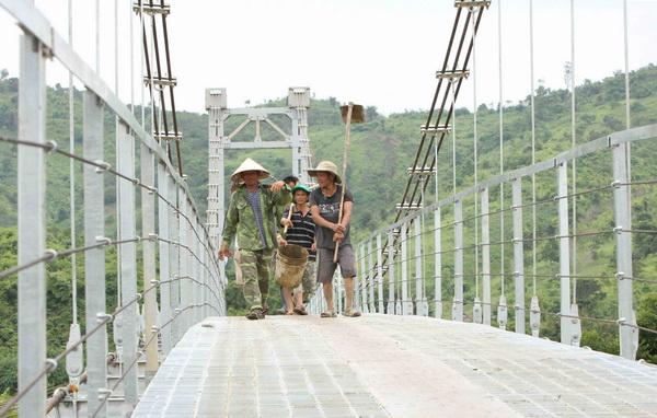 Gia hạn thời gian thi công công trình Cầu treo dây võng tại huyện Krông Bông