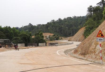 Xử lý các kiến nghị văn bản của Ban quản lý Dự án 46 liên quan đến thủ tục thu hồi đất, giao đất để thực hiện dự án đường Trường Sơn Đông.