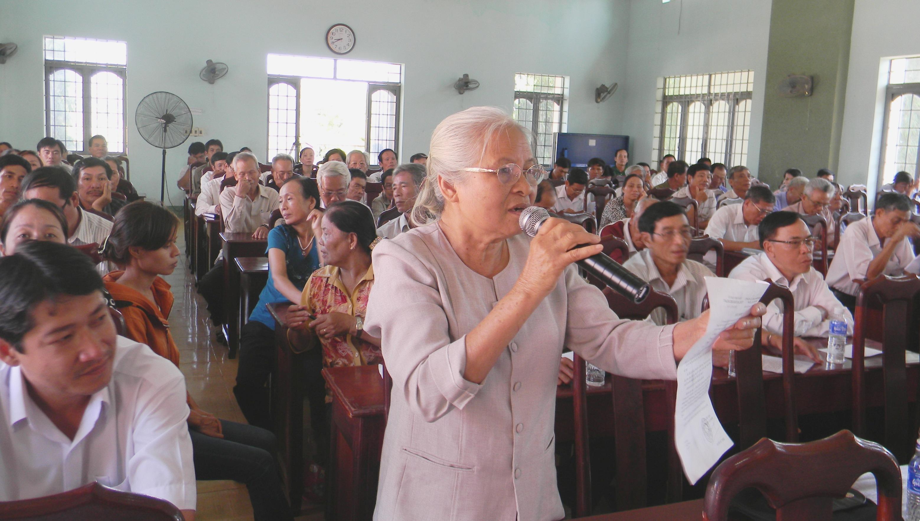 Ủy quyền tổ chức đối thoại với công dân