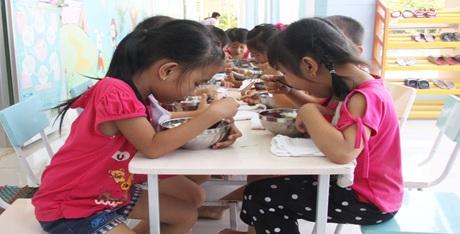 Hỗ trợ tiền ăn trưa cho trẻ em 3 - 5 tuổi năm 2016