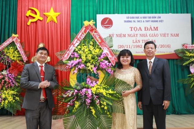 Trường Tiểu học, Trung học cơ sở và Trung học Phổ thông Hoàng Việt toạ đàm Ngày Nhà giáo Việt Nam 20/11.