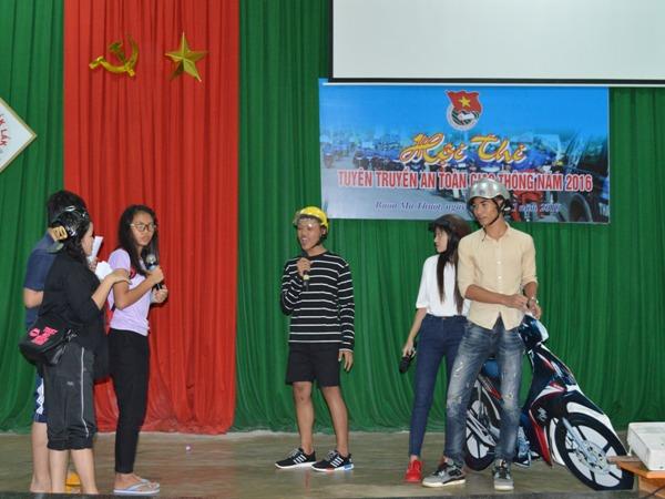 Hơn 1.000 học sinh, sinh viên  tham gia Ngày hội học sinh sinh viên với văn hóa giao thông