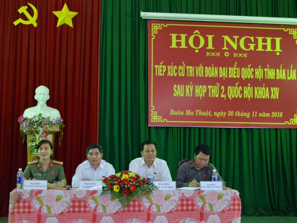 Đoàn Đại biểu Quốc hội tỉnh tiếp xúc cử tri tại thành phố Buôn Ma Thuột